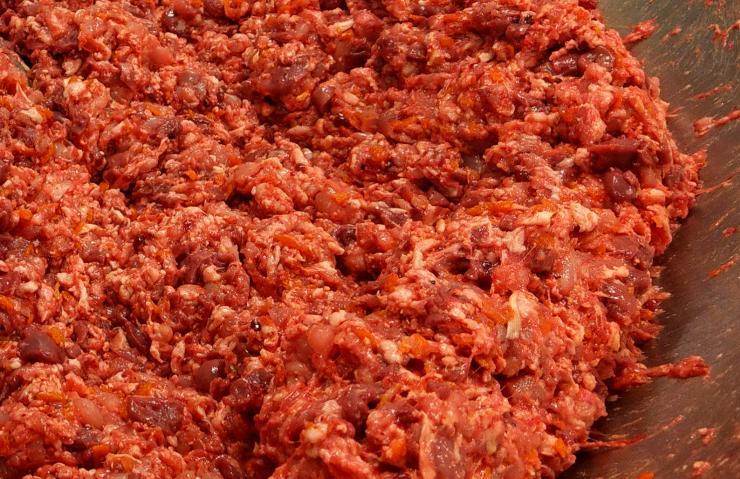 Kori-Kusa-Katzenfutter-Herstellung-Huhn-Komplett